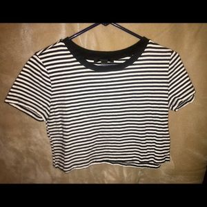 Forever 21 black & white crop top